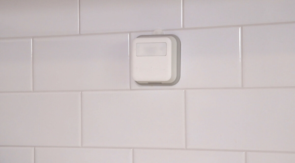 Honeywell Home T9 vs Nest vs Ecobee4 Smart Thermostat Comparison